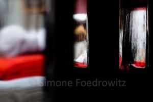 Reflektionen im Tischbein