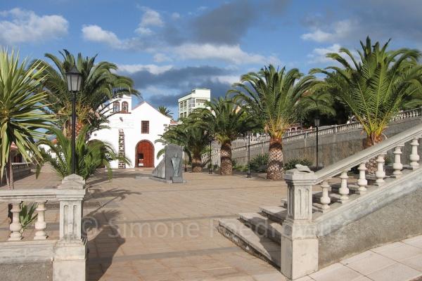 Kirchenvorplatz