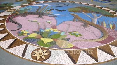 Ein Mosaik mit Eidechsen