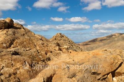sandfarbener Berg