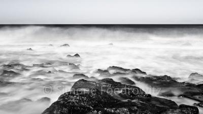 Wellen, Langzeitbelichtung, schwarzweiß