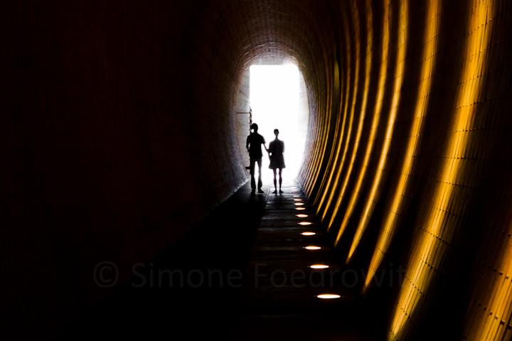 A-0088-paar-gemeinsam-tunnel