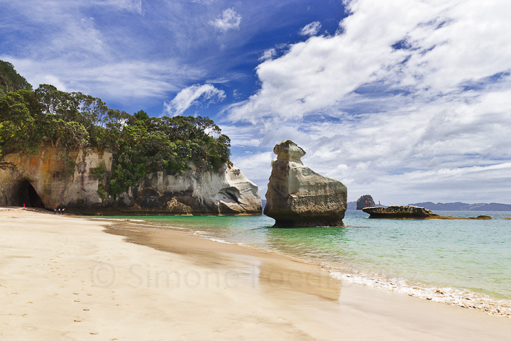 A-0165-cathedral-cove-beach-new-zealand