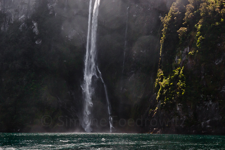 A-0173-stirling-falls-milford-sound-new-zealand