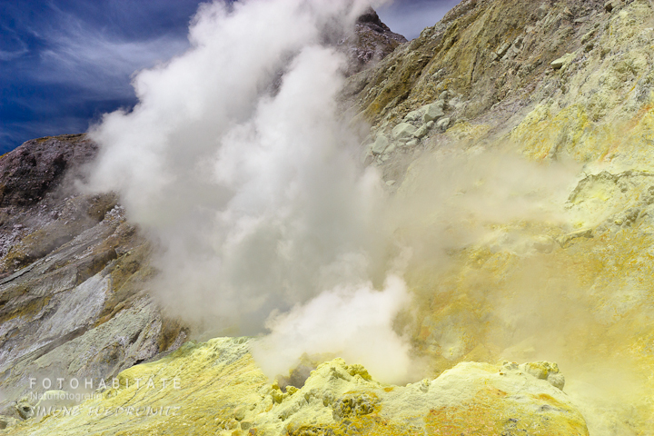 a-0259-steam-volcano-white-island-new-zealand