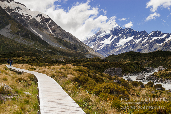 a-240-mt-cook-hooker-valley-track-new-zealand