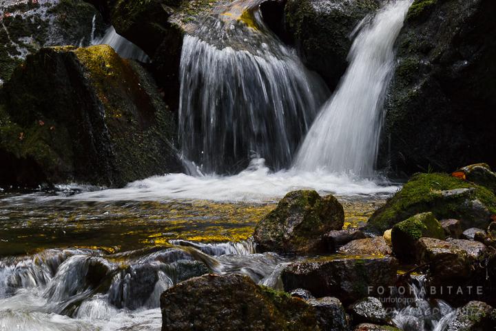 Wasserfälle im Bach