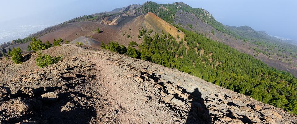 Blick über den Kamm einer Vulkankette